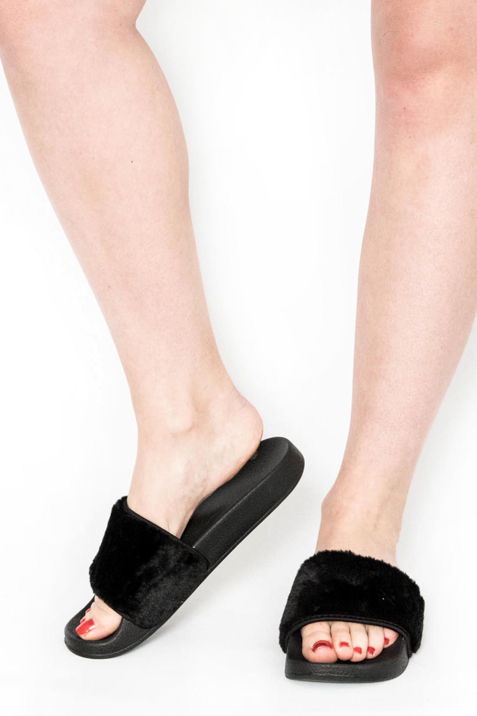 2702363d9d9f Black Faux Fur Sliders